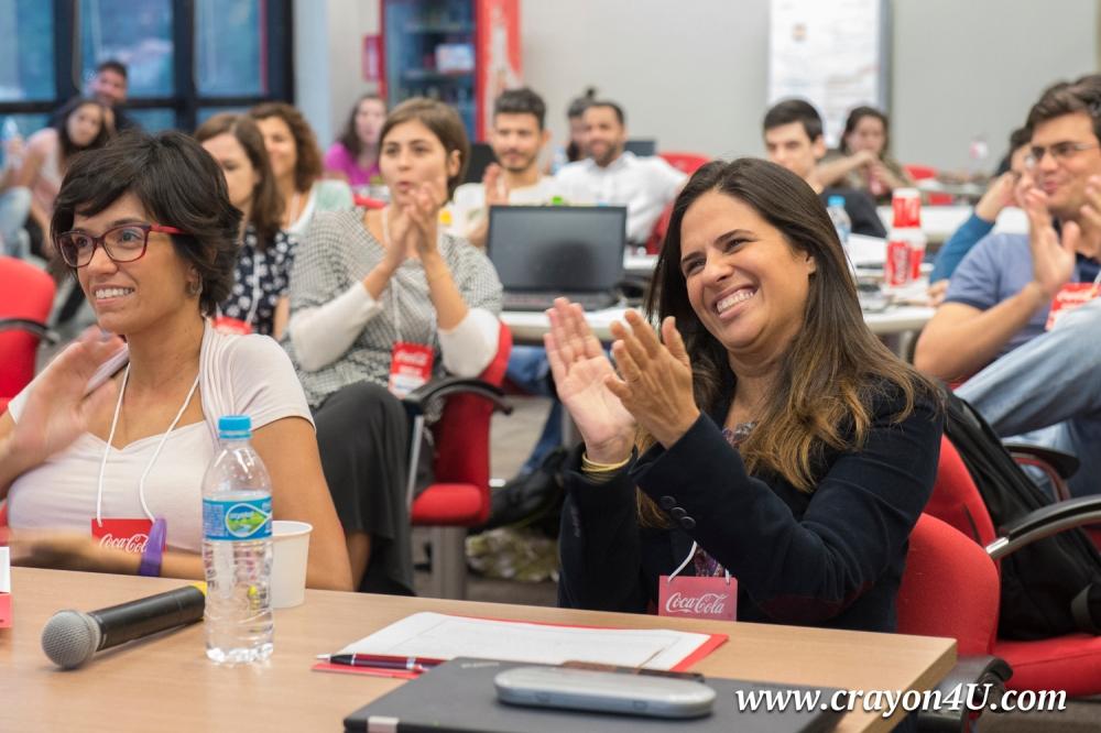 O entusiasmo das juradas Flávia (direita) e Camila, no momento decisivo. Foto: Luca Atalla/C4U